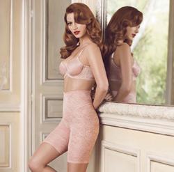 Моделирующие женские шорты с завышенной линией талии